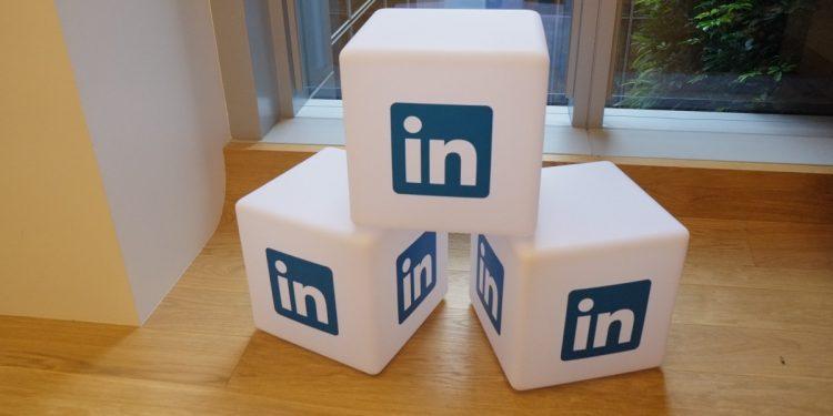 LinkedIn Introduces 'Service' Listings